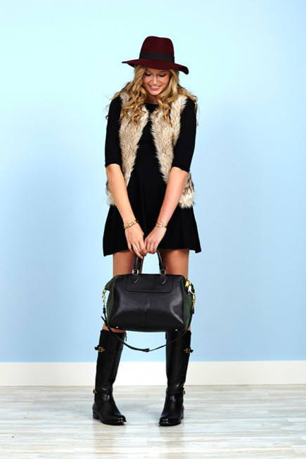 Perk up your wardrobe for winter with these 12 winter outfit ideas. Check out!