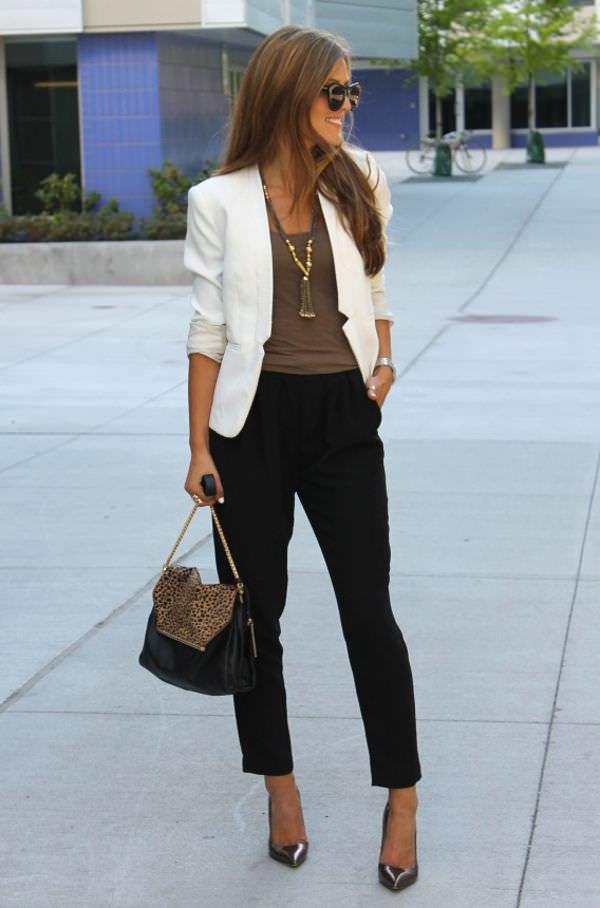 work-fashion-beige-blazer-chic-style
